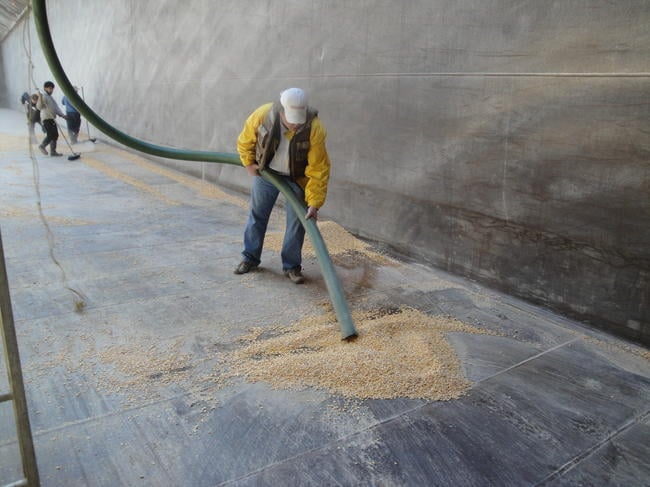 Grain Barge Clean Out